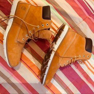 Timberland Classic Boots/Women